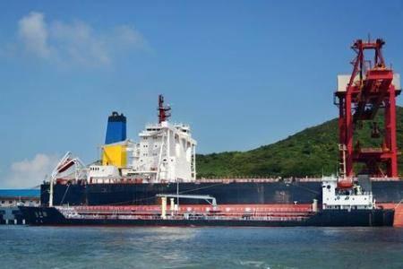 中国石化镇海炼化首罐4500吨低硫船用燃料油分析合格