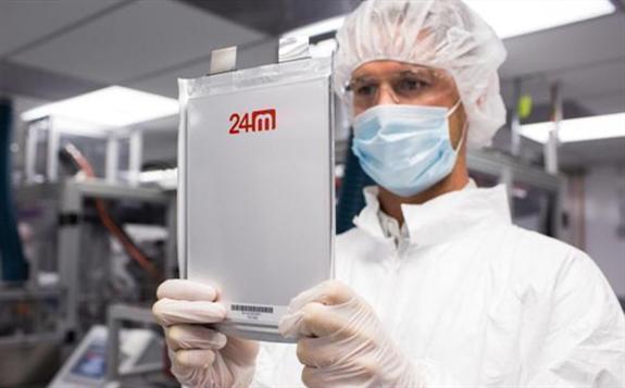 日本京瓷电子推出世界首创的半固态锂离子电池