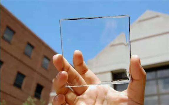 美国密歇根州立大学开发出一种完全透明的太阳能电池板