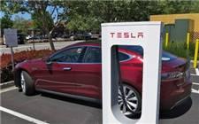 特斯拉在电动汽车领域取不可撼动 加快部署超级充电桩和超级充电站