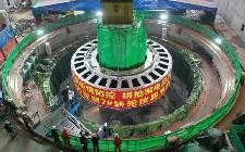 发电目标指日可待!大藤峡工程第二台水轮发电机组转轮吊装成功