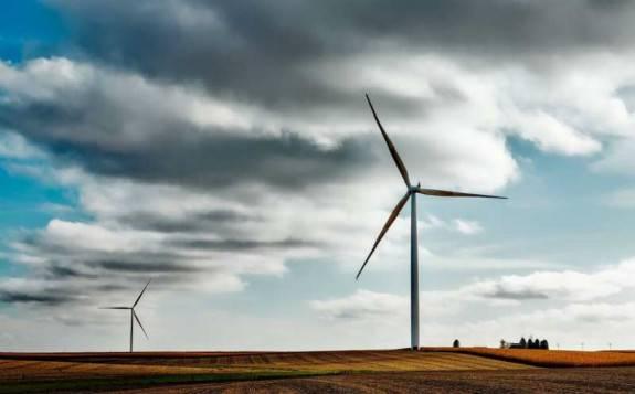 美国的四倍涡轮机可以实现2030年的风能目标