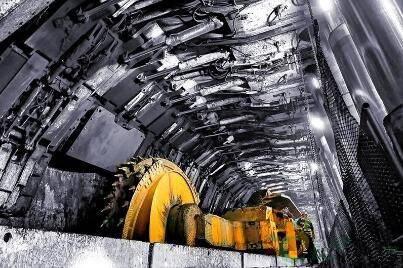 神东煤炭上湾煤矿8.8米超大采高智能综采工作面创单日生产原煤新纪录