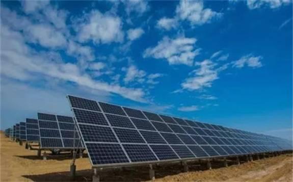 中国清洁能源大省青海首次向海外出口单晶PERC组件