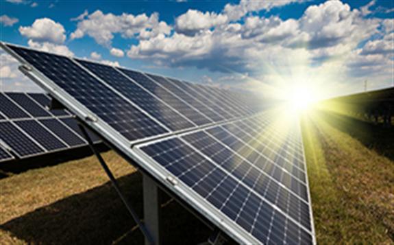 印尼計劃投資174.5億美元 用于扶持光伏發電項目