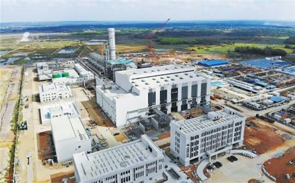 南方电网首座2×460兆瓦级燃气—蒸汽联合循环电厂机组投运