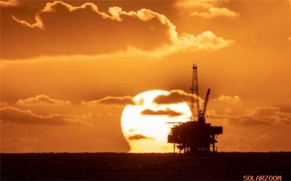 """国际能源机构:新冠病毒使油气巨头的可再生能源承诺""""面临考验"""""""