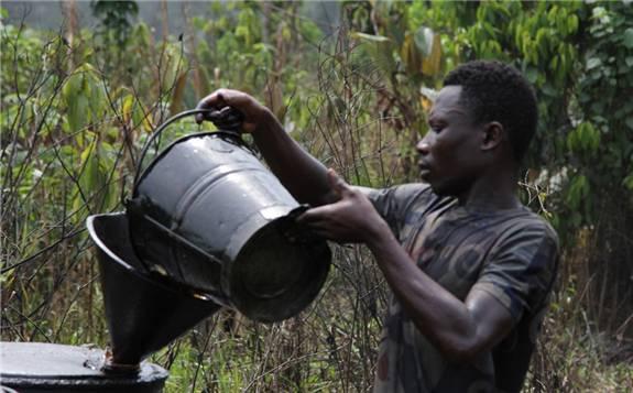 国际油价暴跌威胁非洲国家石油出口