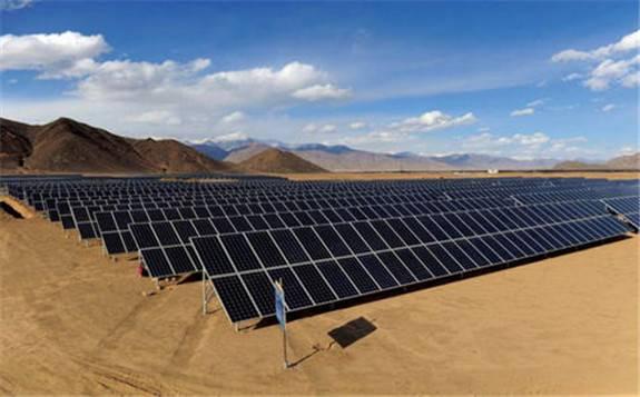内蒙古将打造中国最大沙漠集中式光伏发电基地