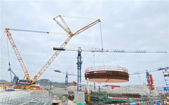 中核集团全球在建第5台华龙一号核电机组钢衬里模块首吊成功