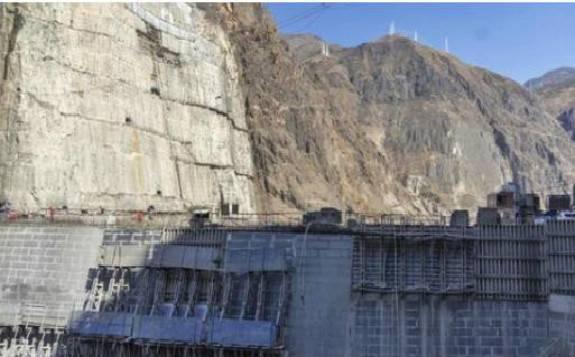 三峡集团乌东德水电站非溢流坝段全部浇筑到顶