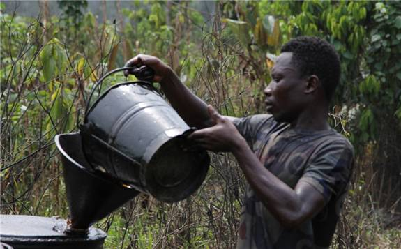 国际油价的持续走低对非洲国家石油出口造成严重打击