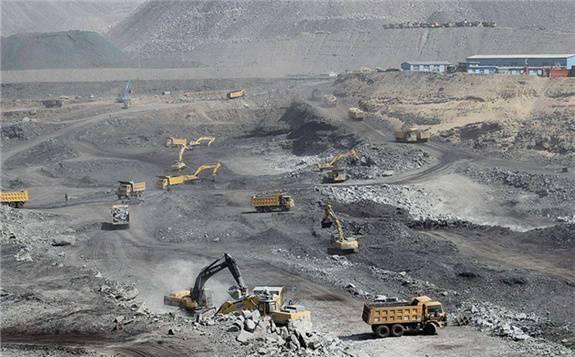 新疆年產500萬噸的露天煤礦動工開采