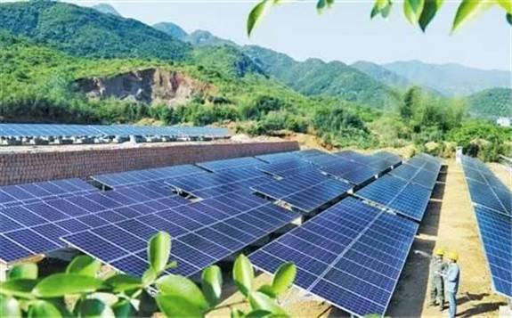陕南最大光伏项目带动2万多户贫困人口实现稳定增收