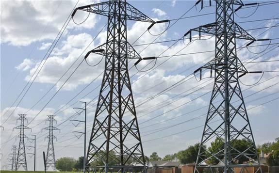 由于疫情影响,埃及电力企业(EETC)推迟了埃及-沙特的电网建设招标
