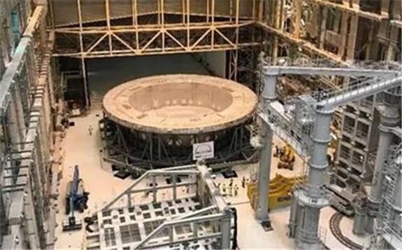 """""""人造太阳""""核心设备安装开启 全球核能在疫情挑战下""""逆行""""发展"""