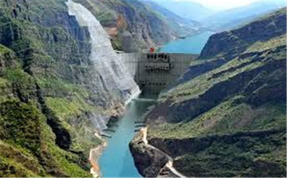 世界最大三支臂泄洪洞弧门在白鹤滩水电站开始吊装