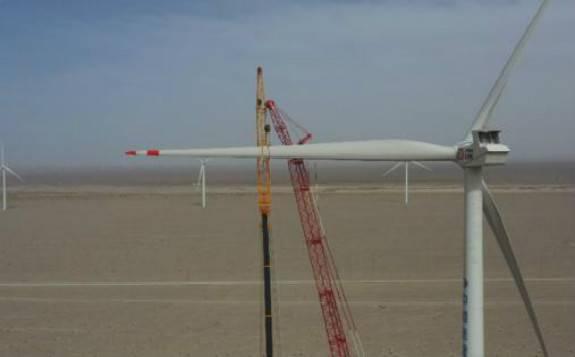 最大风轮直径陆上风电机组在青海吊装成功