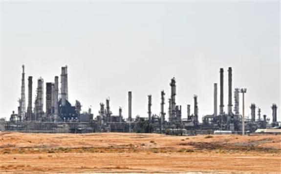 石油需求回升 沙特阿拉伯上调石油价格