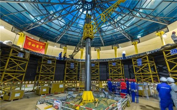 世界首台100万千瓦水轮发电机组定子铁心一次性通过磁化试验