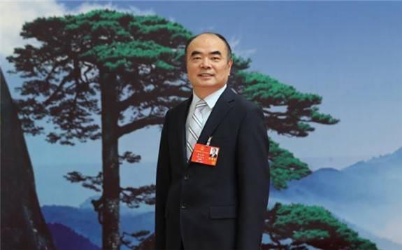 曹仁贤:适度开征碳税,鼓励企业开发利用可再生能源