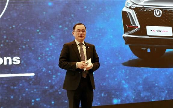 朱华荣:进一步优化新威尼斯汽车产业发展的顶层设计和政策导向
