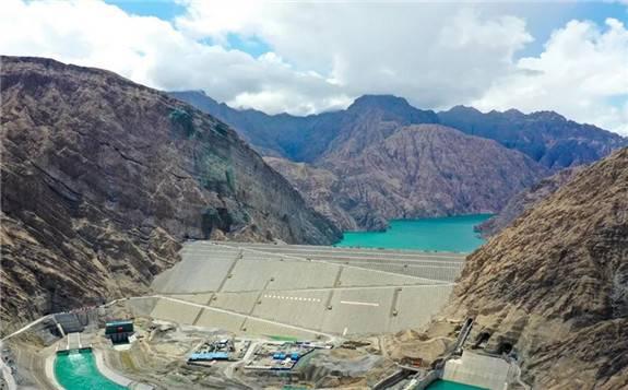 """国家重大水利工程""""新疆三峡""""阿尔塔什水利枢纽主体提前3天完工"""