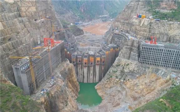 世界第七、中国第四大水电站——乌东德水电站大坝全线贯通