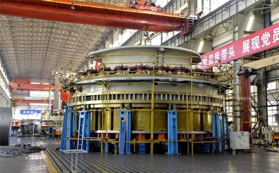 """世界在建最大的水电工程:白鹤滩首台百万千瓦机组""""心脏""""运达"""