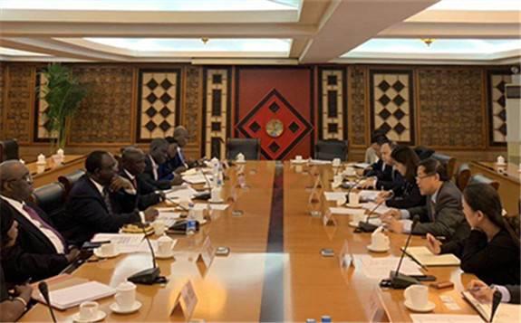 国家发改委外资司与加纳驻华使馆商谈中加产能合作
