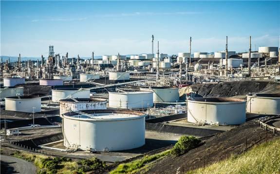 欧佩克产油国减产提价以及运费下降,亚洲原油加工商开始考虑购买美国石油