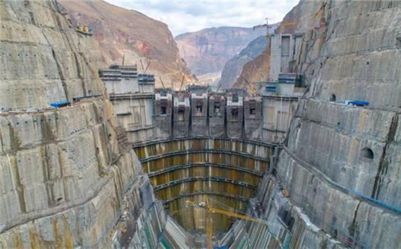 """乌东德水电站:""""西电东送""""的骨干电源和促进国家能源结构调整的重大工程"""