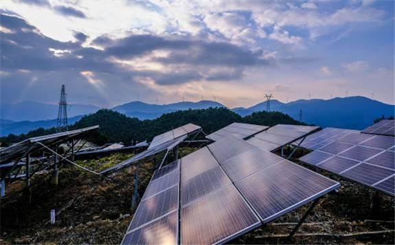 解振华:中国可再生威尼斯的投资、装机、发电和消费都世界领先
