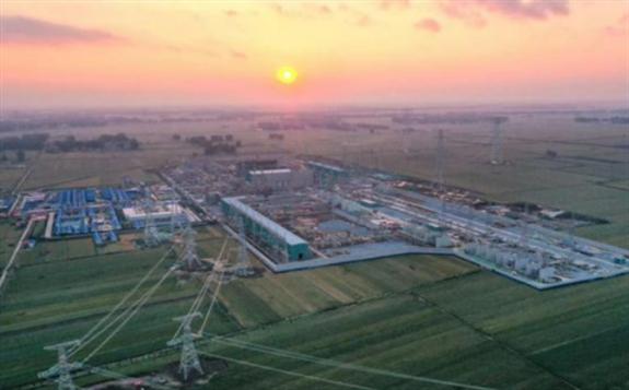 """""""青豫直流""""工程是世界上首个以服务光伏发电为主、全清洁能源打捆外送的特高压工程"""