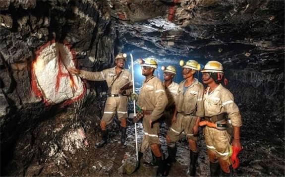 南非矿业逐渐恢复生产,产量同比下降29.8%