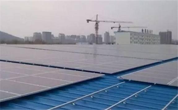 乌克兰议会通过下调光伏电站和风电站绿色电价法案