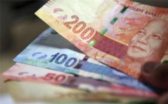 受疫情冲击南非薪资水平出现两位数暴跌