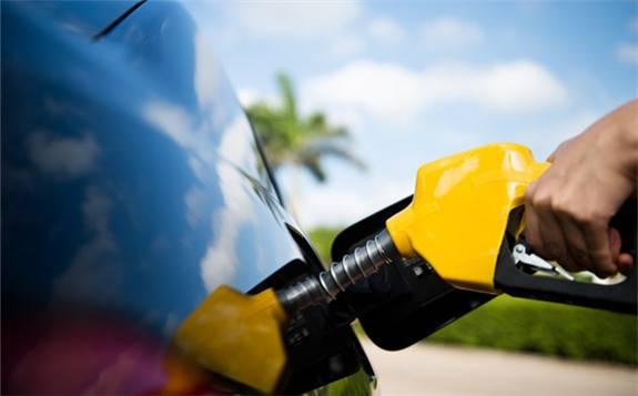 国际油市:油价下跌,因能源需求及美国刺激政策弥漫不确定性