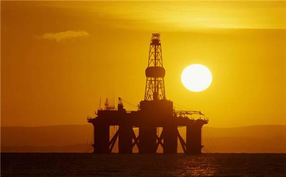 产油国呼吁严格实行原油减产协议