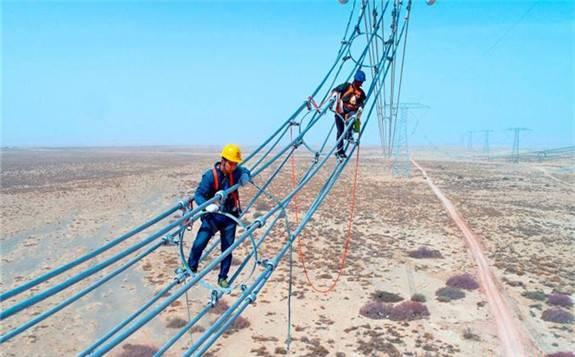 """累计投资717亿元!""""十三五""""期间新疆电网建成全国最大省级电网!"""