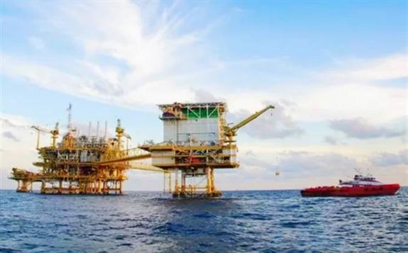 """历经5年艰辛,中国造世界级""""海上油气工厂"""""""