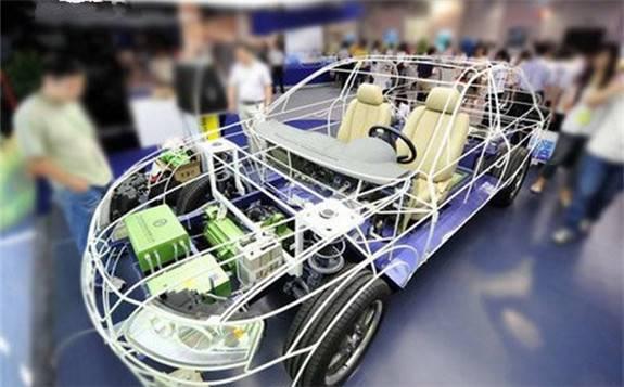 新能源汽车产销量今年首现正增长 动力电池装机量增速明显