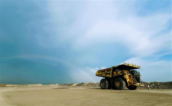 准能集团:无人驾驶矿用卡车助力智慧矿山建设