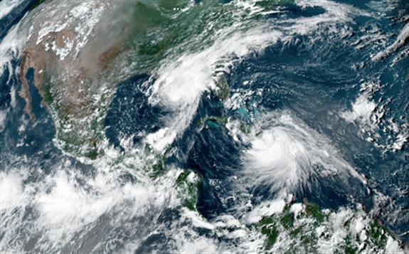 美国墨西哥湾海上原油生产和炼厂遭飓风冲击,原油供给受到影响