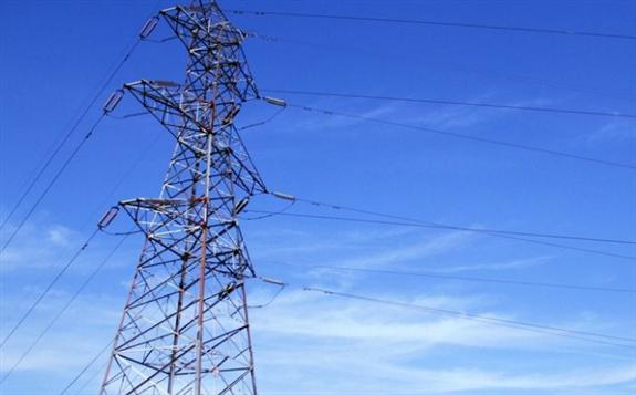 两大电网上半年净利同比双双骤降,用电量增速创10年新低