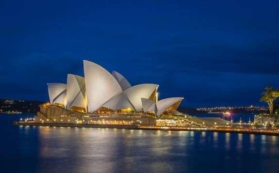 预计2023年开始,澳大利亚太阳能和风能的装机发电能经超过煤炭和天然气