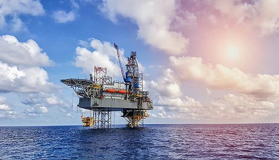 我国海上首座大型稠油热采开发平台在渤海顺利投产