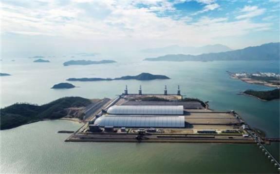 惠州港荃湾大型环保公用煤炭码头投产