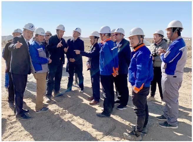粤水电党委书记、董事长谢彦辉到新疆片区开展调研