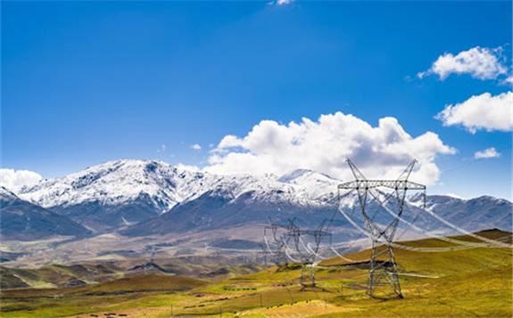 科学谋划跨省跨区输电通道,加强贫困地区主网架建设
